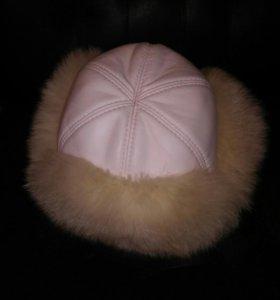 Теплая меховая шапка