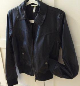 Новая кожаная куртка Adidad neo xs р-р