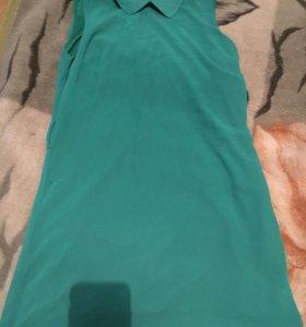 Платье зеленое прямого кроя