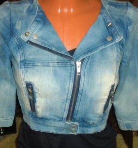Новая джинсовая стильная курточка