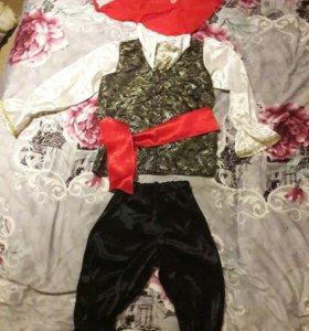 Продаю деский,новогодний костюм(Пират)