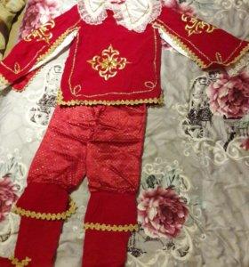 Продаю детский, новогдний костюм (Мушкитёр)