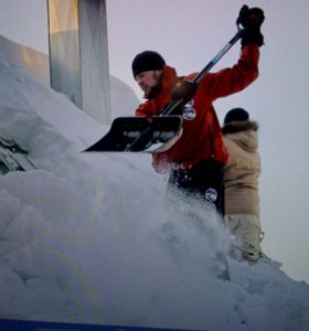Чистка снега и наледи с крыш.