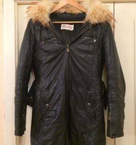 Кожаная куртка, с мехом енота