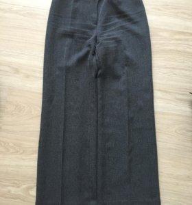 Классические брюки 46 р