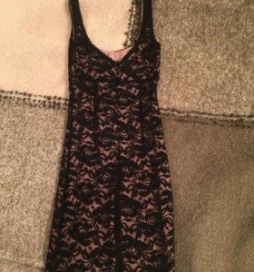 Платье кружевное черное