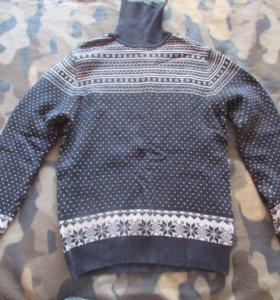 Продам свитер с воротом