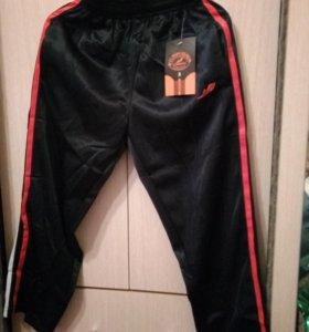 Спортивные штаны на 7-8лет
