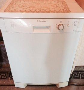Посудомоечная машинка Electrolux