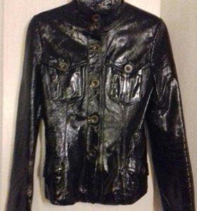 Куртка кожаная лакированная