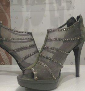 Туфли - шпильки