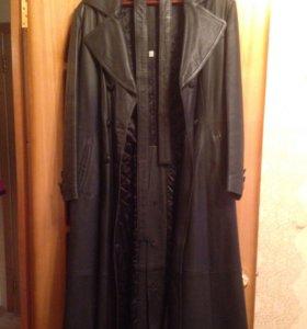 Кожаное утеплённое пальто 50-52 размера