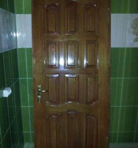 Дверь дерево лакированная