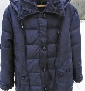 Продаю куртку зимнию размер 62/64