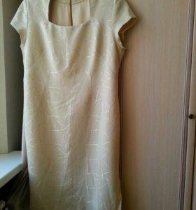 Платье приталенное 52-54р.