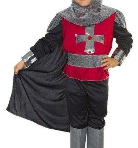 Новогодний карнавальный костюм рыцаря.