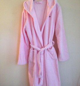 Мягкий тёплый халат с капюшоном. Новый!