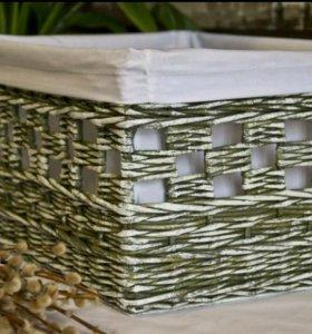 Винтажная плетеная корзина