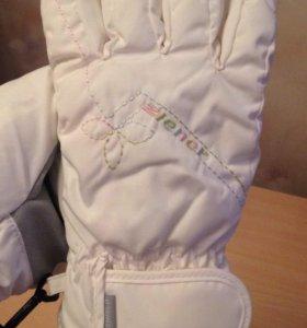 Перчатки зимние спортивные на девочку