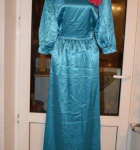 Платье шикарное атласное Новое