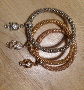 Новый женский браслет с черепами