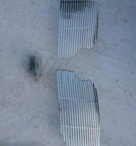 Вставки на решетку на прадо120