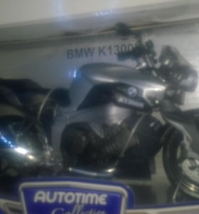 Продаю две модели мотоциклов, масштаб 1:12 .