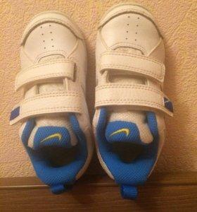 Шикарные кроссовки Nike