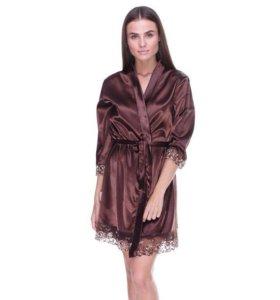 Шелковый халат и сорочка