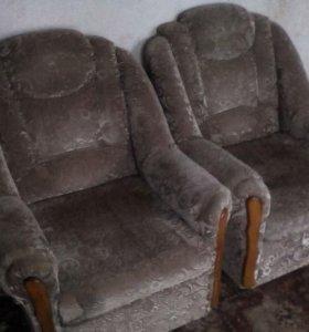 2 кресла, состояние на 4+