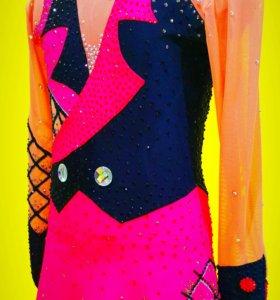 Платье для выступлений. Фигурное катание,гимнастик
