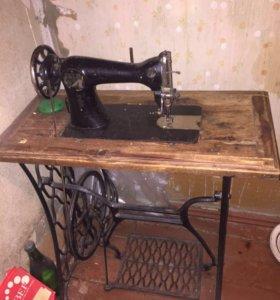 Машинка швейная раритетная