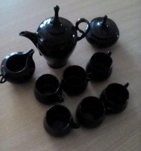 Продам посуду сервизы по500рублей, чайник и кувшин