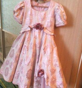 Детские платье , в отличном состоянии