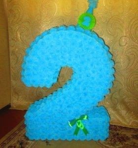 Цифра и гирлянда на день рождения