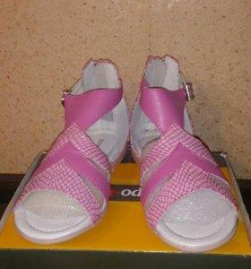 Туфли летние  (новые)