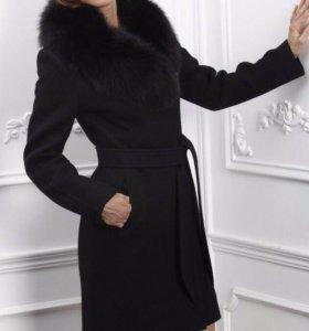 Пальто зимнее с мехом Новое