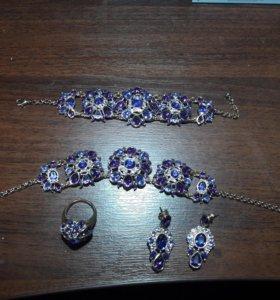 Набор аксессуаров- браслет, колье, кольцо, сережки
