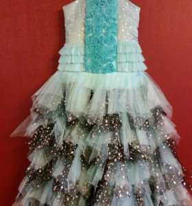Платье нарядное для девочки рост 146-152