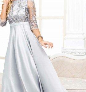 Новое с вышевкой платье