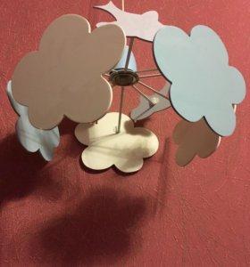 Люстра для детской комнаты в отличном состоянии