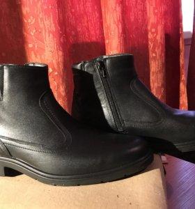 Новые демисезонные кожаные ботинки