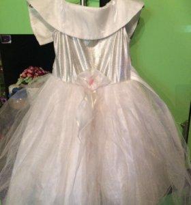 Праздничное платье 3-4 года