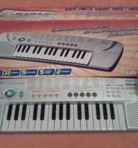 Продам синтезатор.