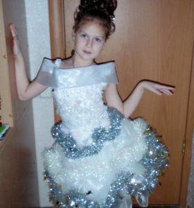 Платье праздничное..