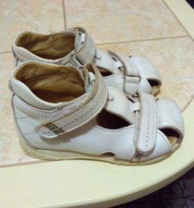 Туфельки для девочки размер 24