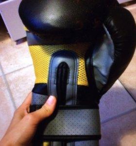 Боксерские тренировочные перчатки everlast