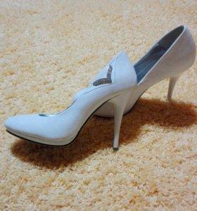 Продам туфли,один раз одевала