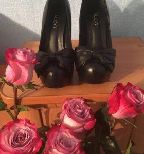 Туфли Aldo черные с бантом на скрытой платформе