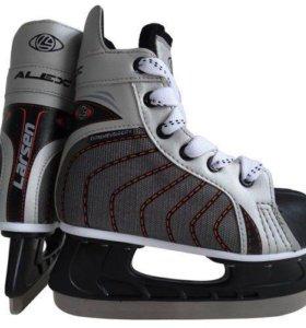 Коньки хоккейные larsen alex р31 новые